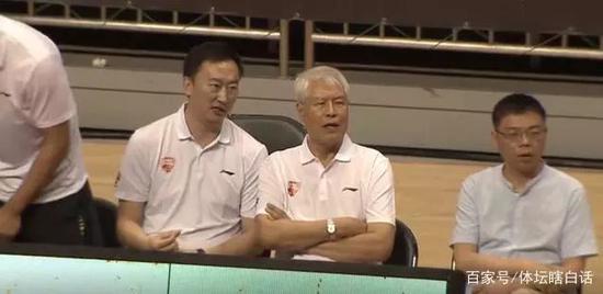 79岁中国篮坛教父重返CBA一线执
