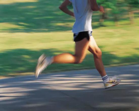 要想跑步成绩提高 就不要总和别人较劲攀比