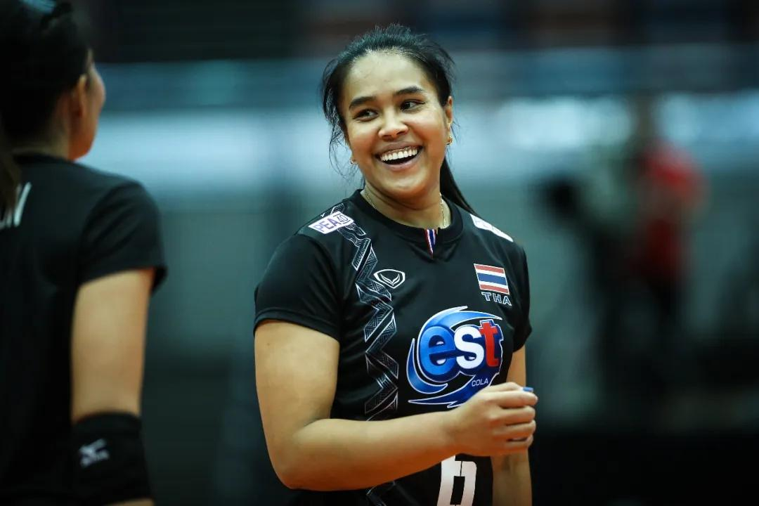 """泰国女排""""七仙女""""重炮手:排球改变了我的生活"""