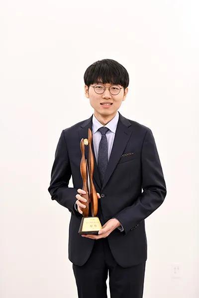 申真谞年入十亿韩元 登顶2020韩国围棋奖金榜