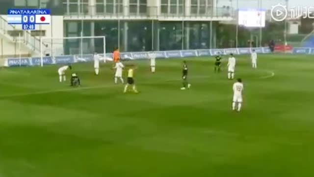 视频-日本U20离奇乌龙!回传门将比前锋脚法刁钻