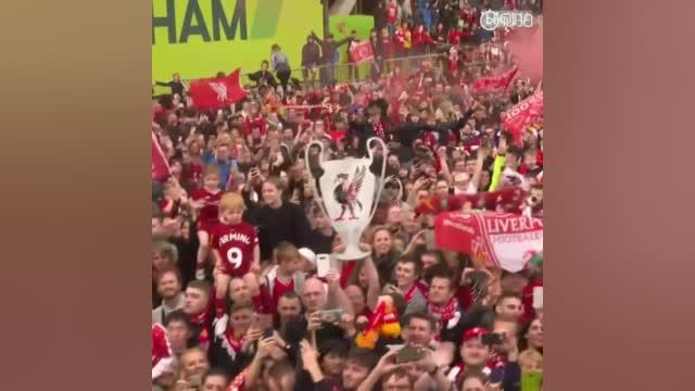 视频-红色的海洋万人空巷 利物浦盛大欧冠冠军巡游