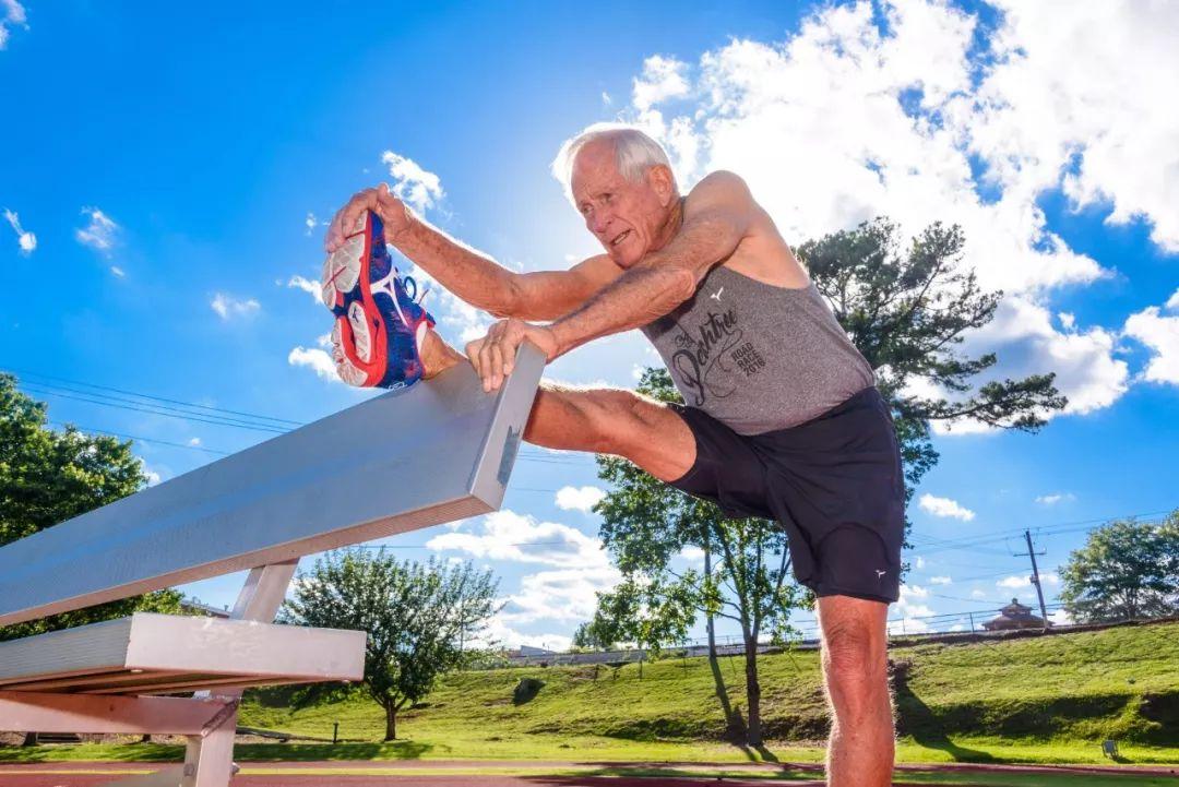 美国最新研究:经常跑步的人 大脑更年轻更聪明