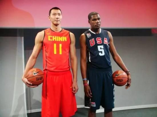 里约奥运男篮小组赛 中国VS美国全场回放[篮球花絮]