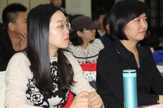 四川郭瑞霞(左)与黑龙江崔燕