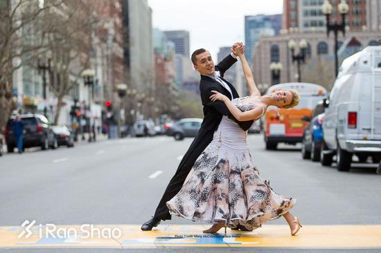 AdrianneHaslet-Davis找回了她心爱的舞蹈