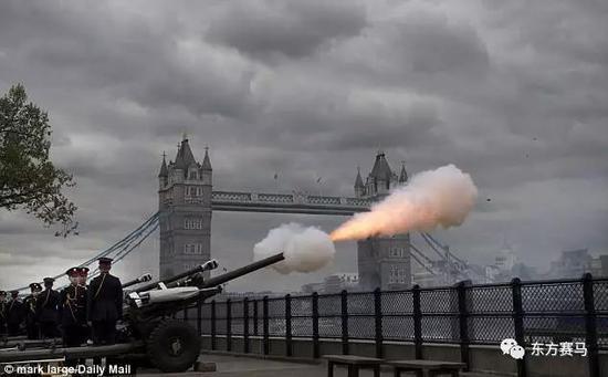 ▲图/Mark Large,泰晤士河畔的礼炮庆生