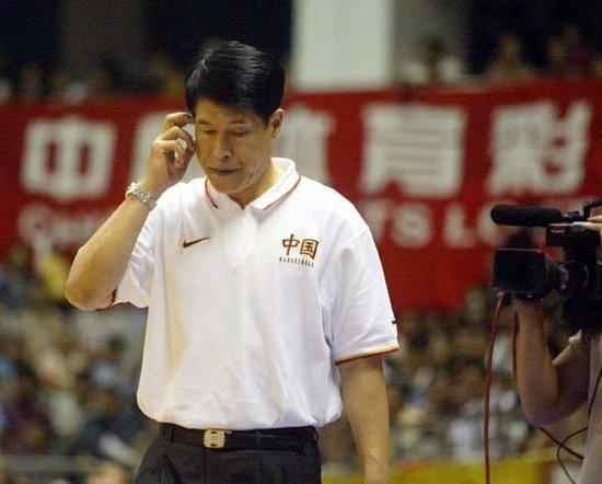 蒋兴权在中国男篮培养一批又一批国手