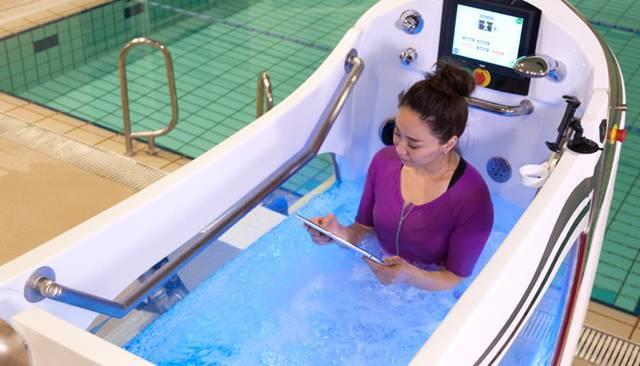 只是 iPad 掉进水里...