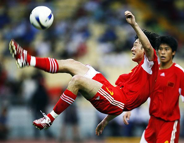 2007年7月15日,马来西亚吉隆坡,中国队2-2战平伊朗。视觉中国 资料图