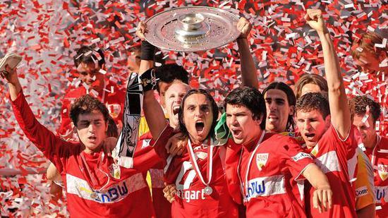 """2006/07赛季,斯图加特的""""狂野二代""""勇夺德甲冠军。"""