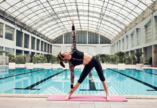 H2O Active全新时尚综合运动女性泳衣——刘湘同款