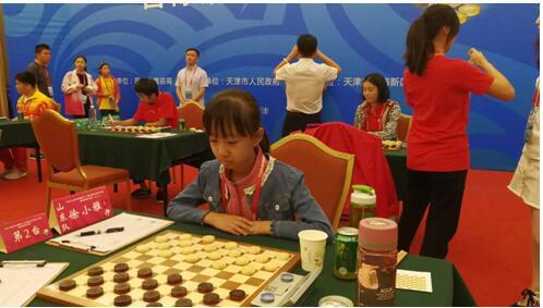 山东代表队选手徐小雅在比赛中