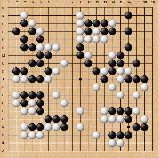 战到黑179收完最后大官子,长沙隐智队胜势不可动摇。