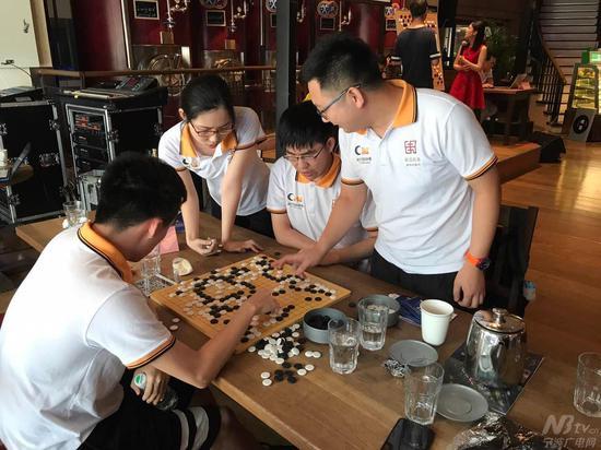 8月5日,宁波疏浅将迎来第二个主场赛事,届时,广大的宁波围棋迷们可千万不要错过现场观战的好机会哦。