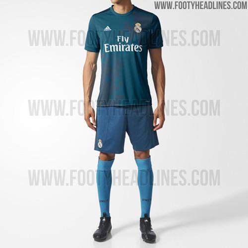 Footy Headlines称,www.yh0445.com,这款球衣有望在7月21号左右正式发布,而这也是皇马新赛季将要发布的最后一款球衣。