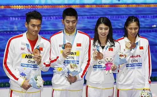 中国夺男女混合泳接力铜牌。