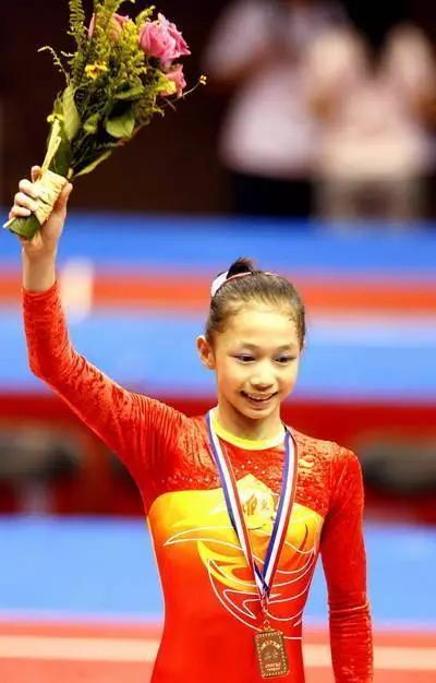 退役前一年,刚满20岁的杨伊琳去了北京体育大学的竞技体育系。