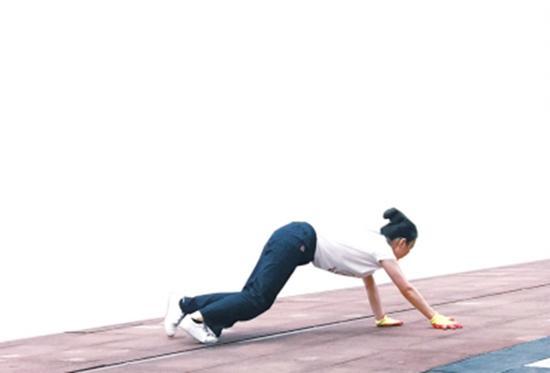 """【专家】爬行健身起源于""""五禽戏"""""""