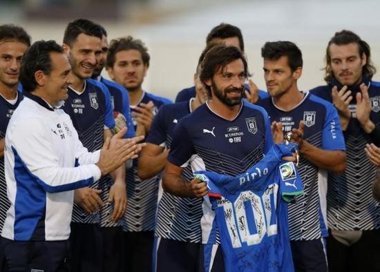 皮尔洛完成意大利队百场传奇。