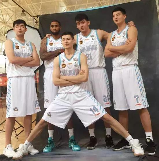 新疆队董事长谈新赛季:我们的强大不在于个人