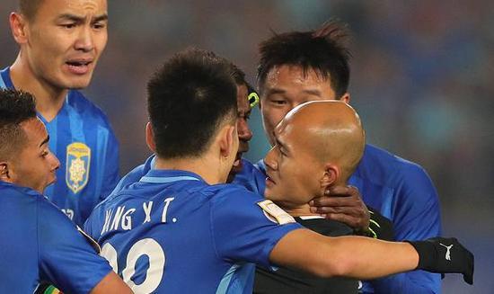 那一天江苏足球是愤怒的也是悲情的