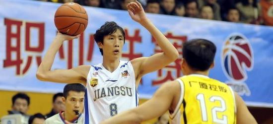 1/4决赛首战宏远轻取江苏队杜锋获年度最佳教练