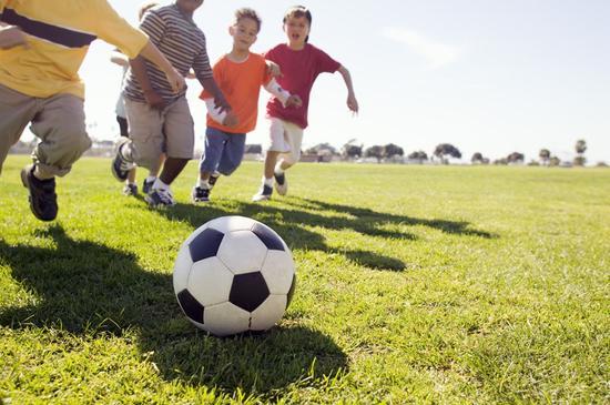 济南首提创建足球名城 拟建800亩足球综合训练场
