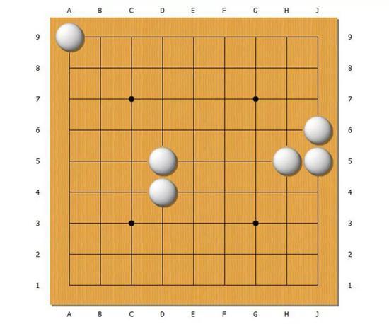 下图是正解。需要分别在左上放2颗,中央放6颗,右边放5颗黑棋才能吃掉白棋。