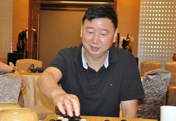 中国围棋队总教练俞斌
