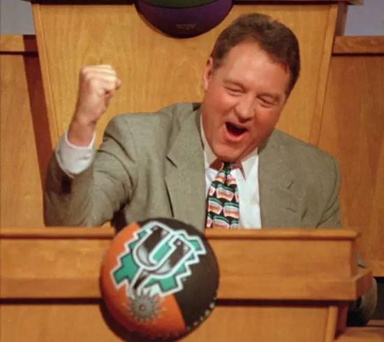 21年前!邓肯引发的摆烂大赛是什么样的场面?