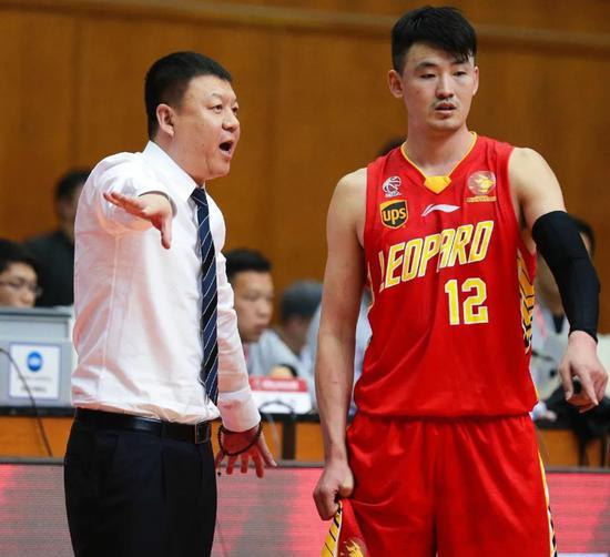 """""""不能走,走了禁赛一年!""""他一句话拯救北京队"""
