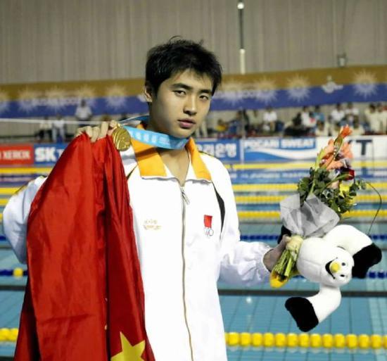 孙杨师兄吴鹏激励游泳小将 要相信自己抓住机会
