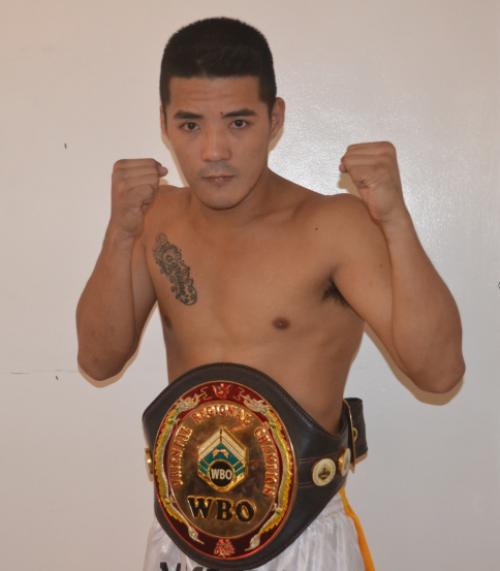 第二主赛:WBC 108磅天下银腰带卫冕战