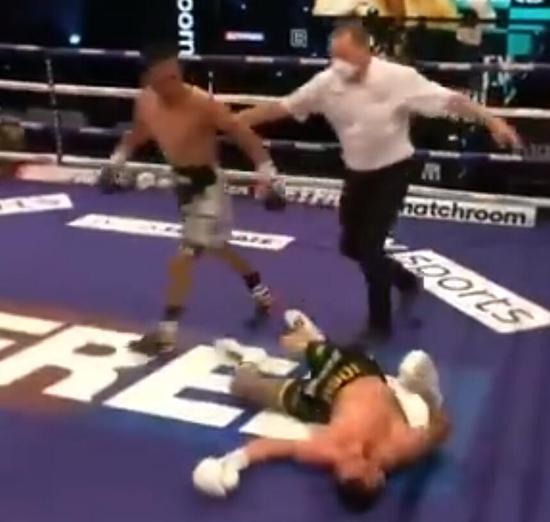 徐灿拳王统一战再生变故 沃灵顿遭KO比赛失去意义