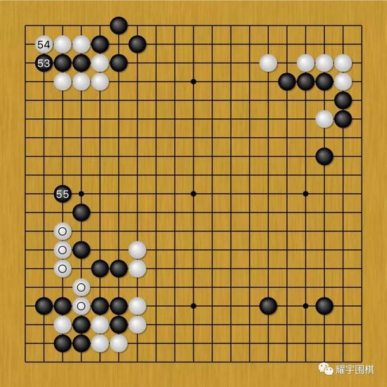 图4:没准备单纯防守的江维杰一看A位直接挡不行,就换一招。