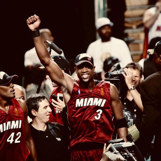 人物 场均34.7分+3年级夺冠!这是NBA版龙傲天