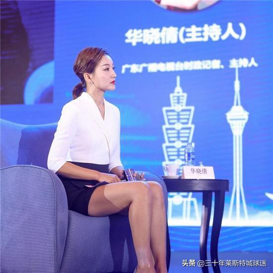 胡明轩合影不敢搂女记者 杜锋亲自教他手咋放