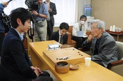 为何中国职业棋手无棋可下 日本老年棋手依旧活跃