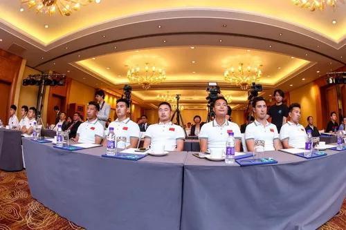 中国马术hg0088如何注册项赛队顺手完赛