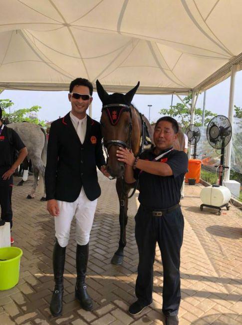 """祝贺华天和""""灵犀王""""喜获雅加达亚运会马术三项赛个人铜牌"""