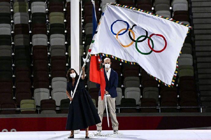东京巴黎交接奥运旗帜 夏奥正式进入巴黎时间
