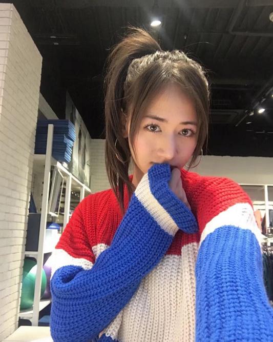 勇士这位日本女记者什么水平?