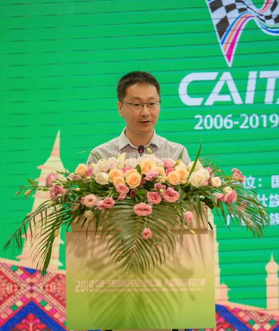 图:2019中国-东友邦际汽车拉力赛副指挥长董洪园