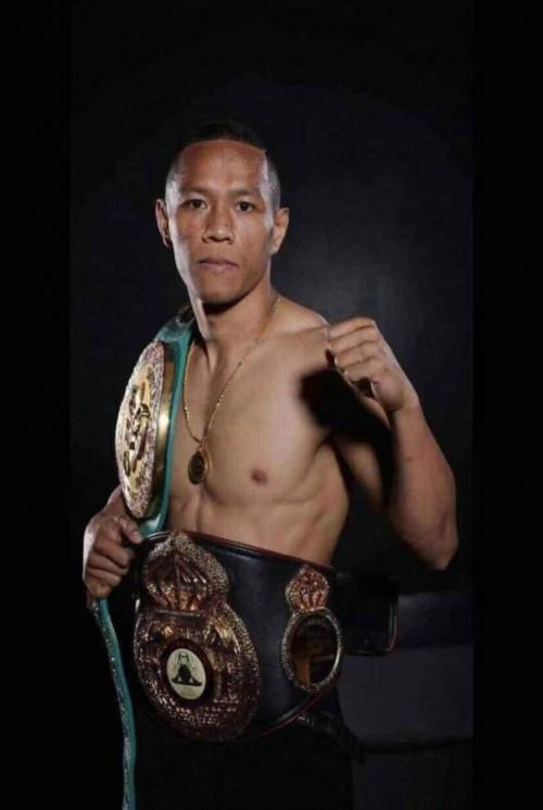 第三主赛:WBO 122磅洲际青年拳王卫冕战