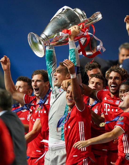 诺伊尔谈入欧足联最佳候选:和莱万谁获奖都开心