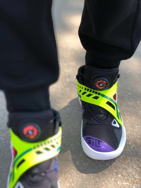狠货!PUMA推出全新球鞋!黑科技无鞋带篮球鞋来了!