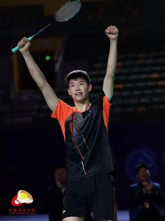冠军赛陈雨菲韩悦会师决赛 冯彦哲双线进决赛