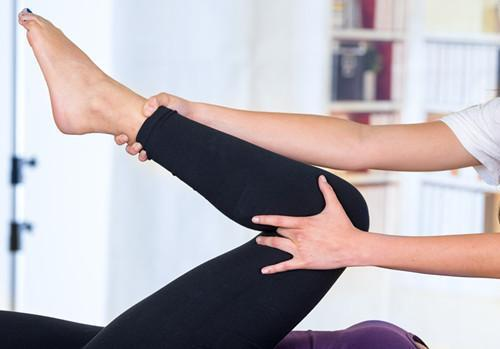 九、膝痛如何治疗——手段很众规范治疗
