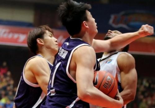 """中国篮球十大""""武林高手"""" 朱芳雨只能排第四"""